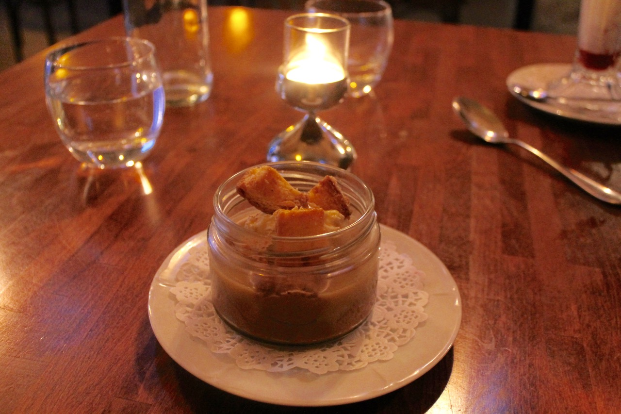 chocolate pudding with brioche croutons