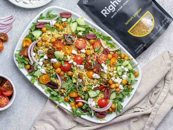 Lemon Pepper Arugula Salad with Spiced Chickpeas, Tomatoes & Pistachios with Lemon Pepper RightRice