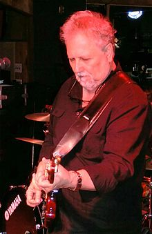 Bobby Cochran plays a live music show for the Scottish Music Promoter Mundell Music