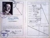 Documento de identidad de Adolf Hitler.