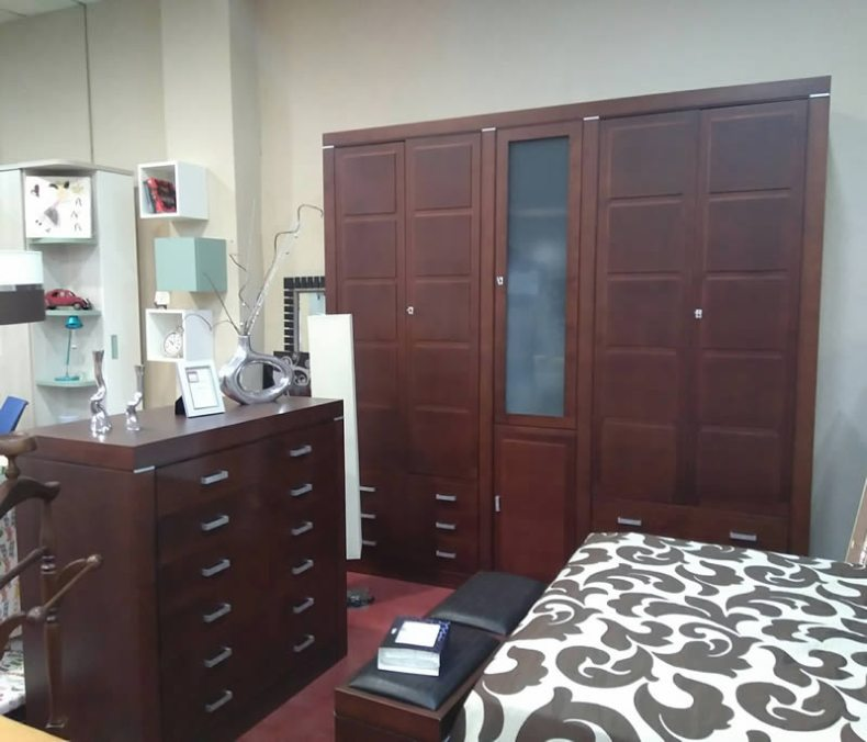 Dormitorio completo en madera maciza con armario en oferta