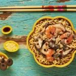 Receita de lámen com camarão e cogumelos
