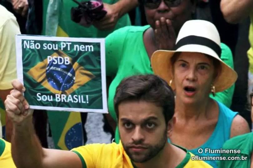 Manifestação em Niterói (Foto: Reprodução/jornal O Fluminense)