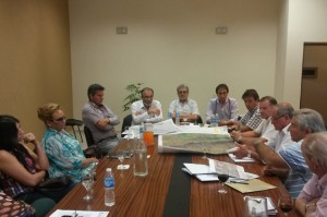 recort-ministros-en-reunion-819