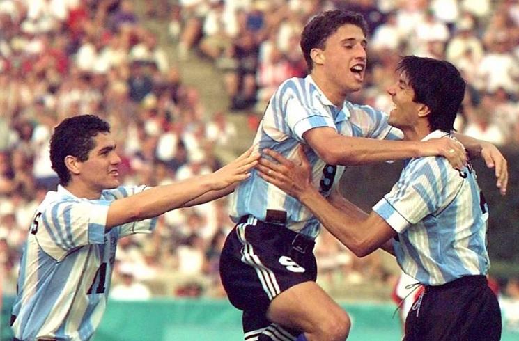 Argentina Throwback Thursday: Hernan CRESPO scores against Colombia   Mundo  Albiceleste