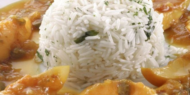 Sepia guisada con arroz blanco
