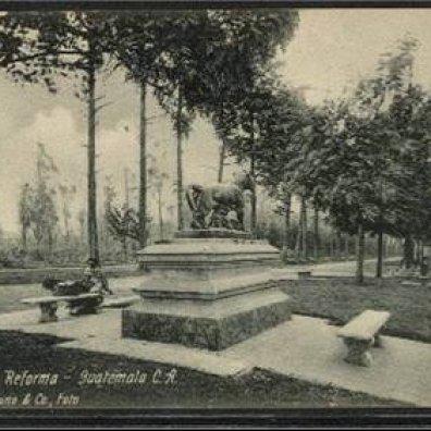 Paseo la Reforma, 1900. Fotografía de: Juan Arturo Pérez.