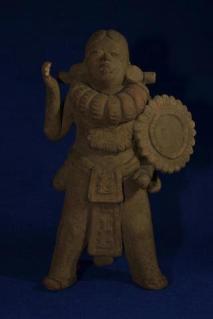 Arte Maya, periodo Clasico, guerrero Maya de 15 cm de alto - foto por Roberto Al Varez