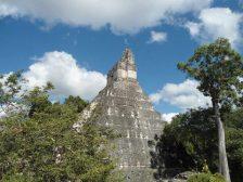 Gran Jaguar Tikal foto por Carlos Humberto Villalta Aguilar - Fotos de Construcciones de los Mayas y sus Descendientes