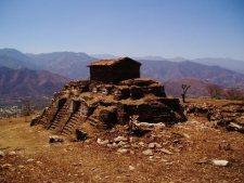 Kaj Yub fortaleza de los Rabinaleb en Rabinal Baja Verapaz foto por - Fotos de Construcciones de los Mayas y sus Descendientes