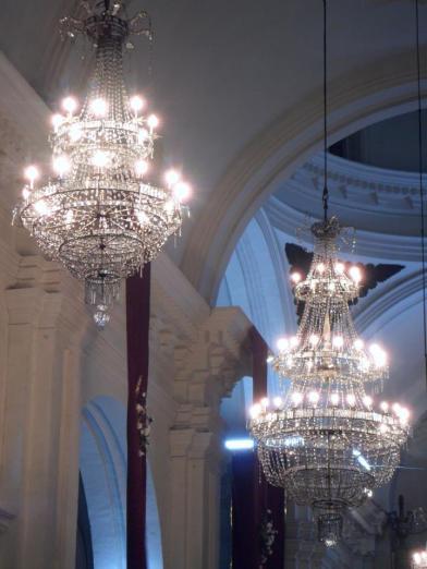 Lámparas del interior de la Basílica de Esquipulas. Juan Arturo Martínez