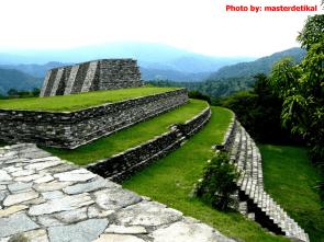 Mixco Viejo foto por Masterde Tikal e1358971226605 - Fotos de Construcciones de los Mayas y sus Descendientes
