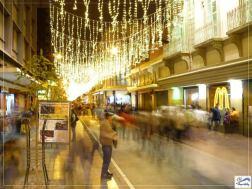 Paseo de la Sexta iluminado en conmemoración de la Navidad. Fotografía de Elder Camher