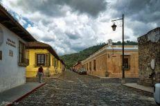 Antigua Guatemala, una de sus calles - foto por Waseem Syed
