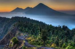 Volcanes en Guatemala con vista desde el volcan de Pacaya foto por Agnes Kretzschmar - Galería  - Fotos de Volcanes en Guatemala