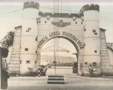 avio entrada fag - El Origen de la Fuerza Aérea Guatemalteca FAG