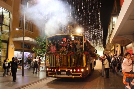 trolley 2 - Trolley bus para del Paseo de la Sexta y el Paseo Jocotenango