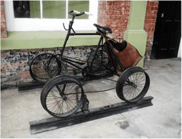 Bicicleta ferroviaria en el museo del ferrocarril foto por mqueme - Galería – Fotos del Ferrocarril de Antaño en Guatemala