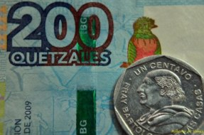 Moneda maxima y minima denominacion Roberto Alvarez - El Origen de la Moneda en Guatemala