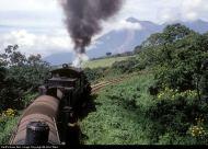 Subiendo de Escuintla a Palin en 1971 foto por Sergio Molina - Galería – Fotos del Ferrocarril de Antaño en Guatemala