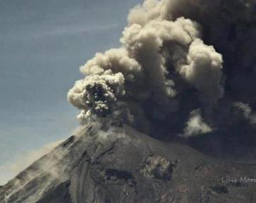 Volcan de Fuego HOY foto por Luis Morataya. - Galería – Fotos de la Erupción del Volcán de Fuego, Septiembre 13, 2012