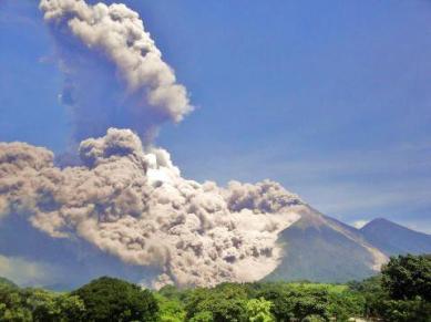 Volcan de Fuego desde la aldea el Rodeo Escuintla Foto por Javi Juarez - Galería – Fotos de la Erupción del Volcán de Fuego, Septiembre 13, 2012