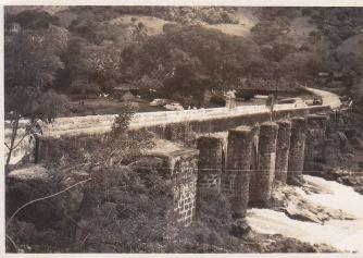 Puente sobre el río Los Esclavos en 1858 por Axel Moreira - Galería – Fotos de Guatemala de Antaño