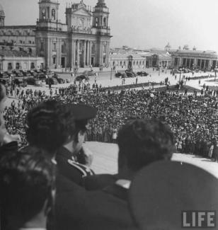 Recuerdos 1944 despues de la Revolucion Life Magazaine - Galería – Fotos de Guatemala de Antaño