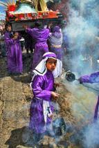 Procesion Santa Cruz del Quiché en Semana Santa foto por Manuel Alejandro - Galeria - Fotos de La Cuaresma y Semana Santa en Guatemala