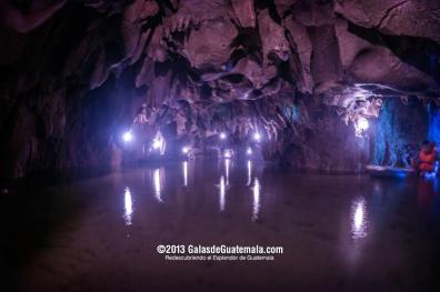 Cueva de Kan ba San Agustín Lanquín Alta Verapaz una cueva con río interior foto por Maynor Marino Mijangos - Galeria - Fotos de Cuevas y Grutas en Guatemala