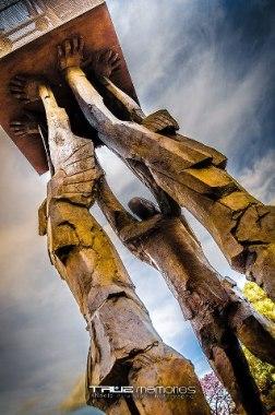 Ciudad de Guatemala Base de la escultura Obelisco de las Luces de Max Leiva Plaza de la Republica foto por Neels Melendez de True Memories - Galería - Fotos de Monumentos, Estatuas y Esculturas en Guatemala