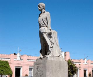 Estatua Manuel Tot parque central de la ciudad de Coban foto por Jora Jora - Galería - Fotos de Monumentos, Estatuas y Esculturas en Guatemala