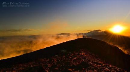 Vista desde el volcán Atitlán, Sololá - foto por Alberto Bolaños