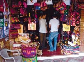 1 - Mercado de Artesanías en la Ciudad de Guatemala