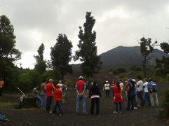 Dinámicas y talleres grupales se desarrollan en la cima del Cerro Chino volcán de Pacaya - Guía Turística - Volcán de Pacaya