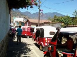 el Tuc Tuc es el medio de transporte local - Guía Turística - San Juan La Laguna, Sololá