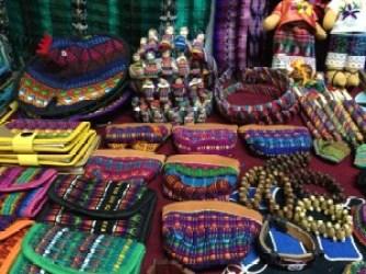 la foto 2 e1405611859381 300x225 - Tejidos y colores de Sololá