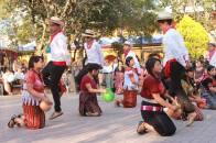 Nuestros bailes y danzas en el Parque de la Concha Acústica Santa Cruz del Quiché foto por Osorious Oso - Resumen de la información de Guatemala
