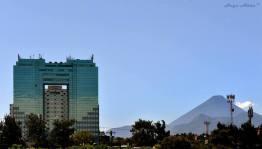 Ciudad de Guatemala edificio Tikal Futura foto por Hugo Altan - Galeria de Fotos de Guatemala por Hugo Altán