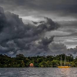 Tormenta en Rio Dulce - foto por Dany Lopez