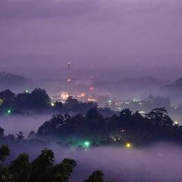 Anochecer en San Luis, Petén - foto por Hugo Altán