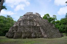 Templo de Los Tableros, Yaxhá, Petén - foto por Rony Rodriguez