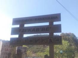 """Rótulo de bienvenida sobre la carretera 1 - Guía Turística - Sitio Paleontológico """"El Mamut"""""""