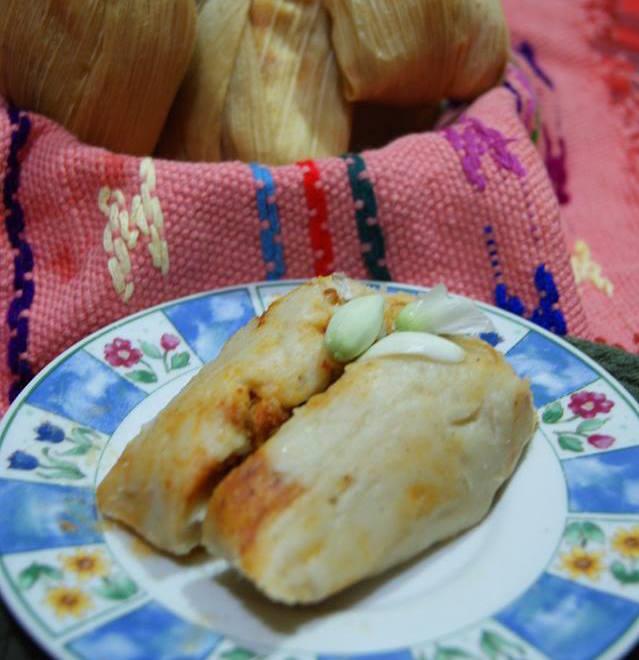 comida Chuchitos con flor de izote foto por Irasema Mont - 19 platos que debes probar en Guatemala