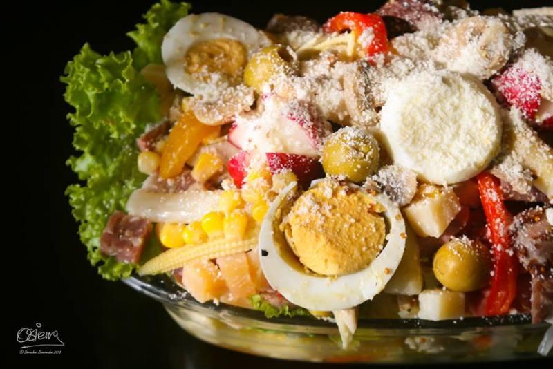 comida Fiambre foto por Oscar Sierra - 19 platos que debes probar en Guatemala