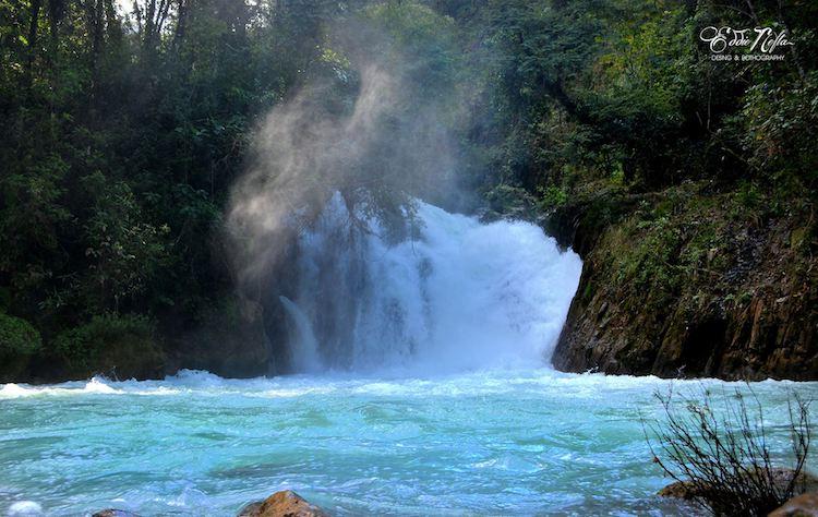 cascada en el rio azul jacaltenango huehuetenango foto por eddie nefta - 17 Cataratas y Cascadas en Guatemala