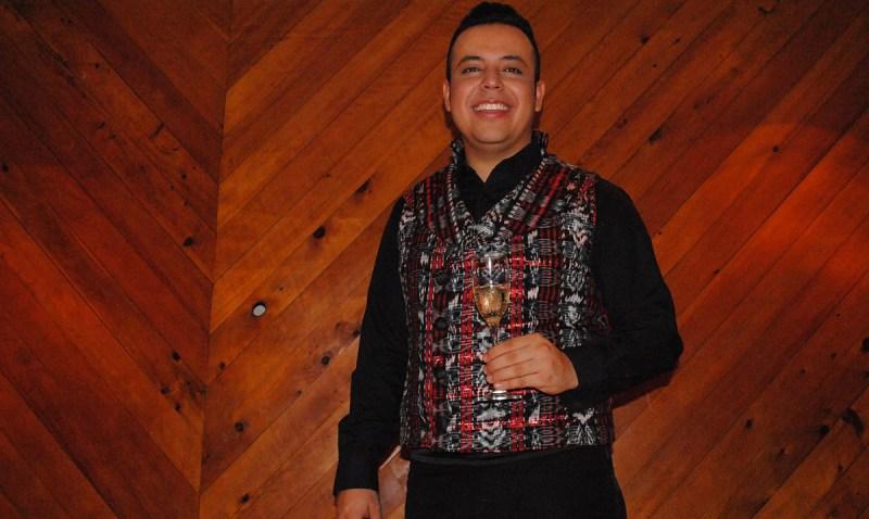 Tenor guatemalteco se luce en el extranjero