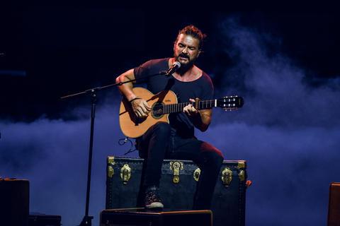 mgo 2924 - Ricardo Arjona gana Premio Billboard