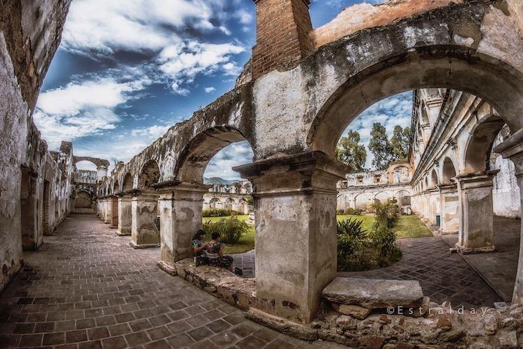 sitio arqueologico del convento santa clara en la antigua guatemala foto por tato estralday - 9 Conventos en La Antigua Guatemala
