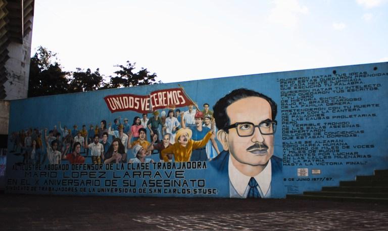 12 la plaza sindical mario lopez larrave 768x457 - Murales que cuentan la historia del país